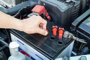 Batterie de voiture : comment s'y prendre pour la recharger